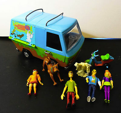 Scooby Doo Ghost Patrol The Mystery Machine Van Scooter & figures Shaggy Velma