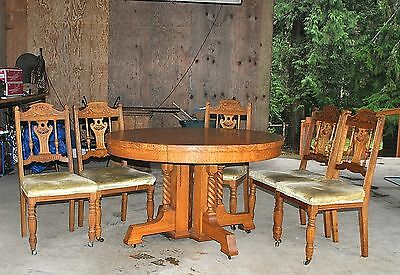 WOW!!!!!!Antique Round Tiger Oak Dining Table and 5 Chairs - Gorgeous!!!!!!!!!!!