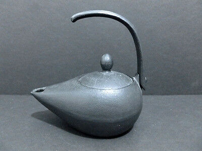 Teapot Vintage  Iron Teapot Japanese Cast Black Iron Teapot. Marked. 5705