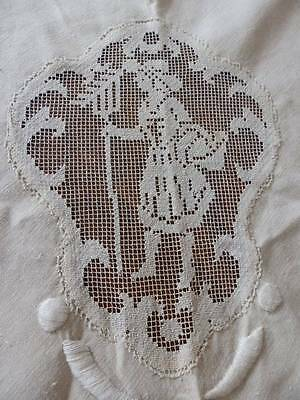 "ELEGANT VINTAGE TABLECLOTH~79"" round~FILET LACE~HAND EMBROIDERY~ LACE TRIM"