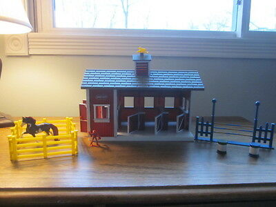 Breyer Horse Barn / Accessories