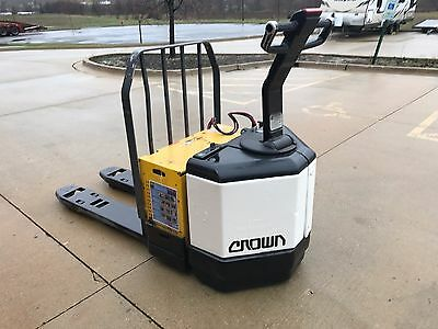 2002 Crown Electric Pallet Jack/Forklift-6000 Pound-WE WILL SHIP Battery?Charger