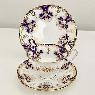 Shelley Gainsborough shape trio, Navy Blue and Gold pattern, 1900 (2 available)