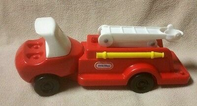 Vintage LITTLE TIKES Toddle Tots FIRE ENGINE Red Ladder Truck 0671-01
