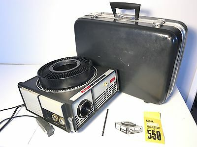 EXCELLENT++ Vintage KODAK CAROUSEL 550 projector WORKING With Manual and CASE