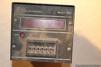 Red Lion Controls Model SCD Digital Counter Presettable Time Delay