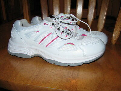 Womans Propet sneakers size US 9.5