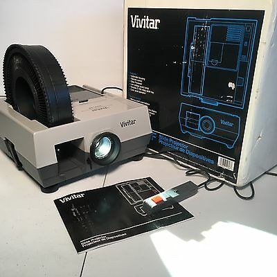Vivitar 3000AF  Auto Focus Slide Projector w/ Slide Tray & Remote w/ Box TESTED
