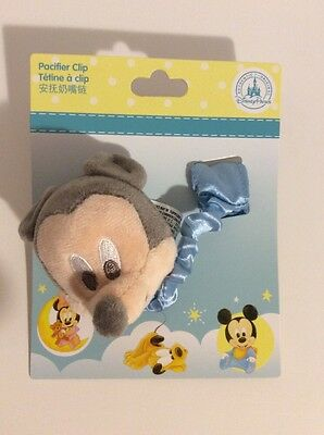 DISNEY PARKS Mickey Mouse Baby Pacifier Clip NEW ON CARD