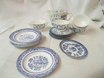 Vintage Ideal USA plastic 19 piece Toy Tea Set blue & white Willow pattern