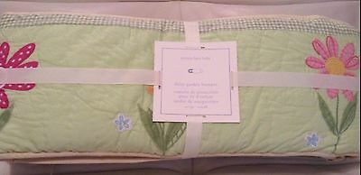 Pottery Barn Kids Patchwork Daisy Garden Quilted Crib Bumper Green NEW!