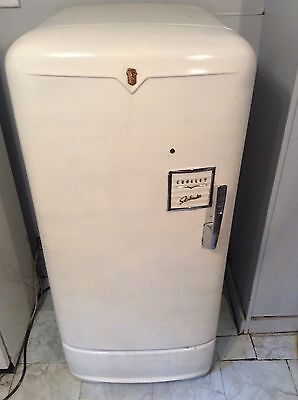 Vintage Working Crosley Shelvador Refrigerator Early 1950's ***PICK UP ONLY FREE
