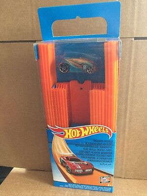 HOT WHEELS - Car & Track Pack -Includes 1 Vehicle - Combined Postage