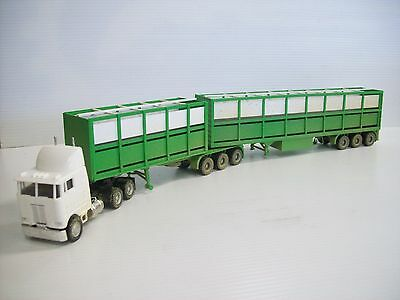Ho Cattle B Double & Prime Mover Ideal For The Ho Layout
