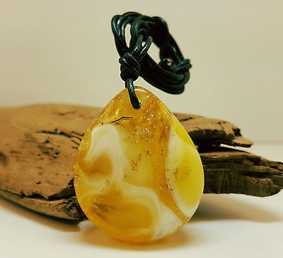 Pendant Natural Baltic Amber Stone 15,4g Butterscotch Vintage White Rare C-293