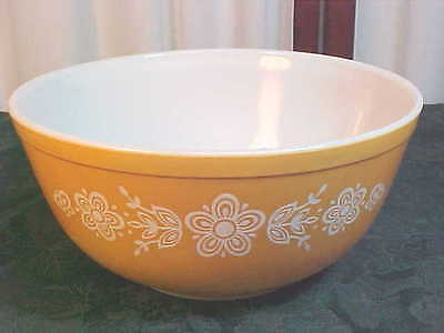 Vintage Mid-Century Pyrex Butterfly Gold Round Mixing Bowl-#40