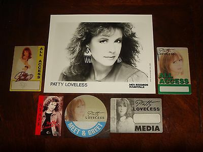 LOT OF 6 PATTY LOVELESS CONCERT MEMORABILIA - 1988 MCA Photo, Backstage Passes