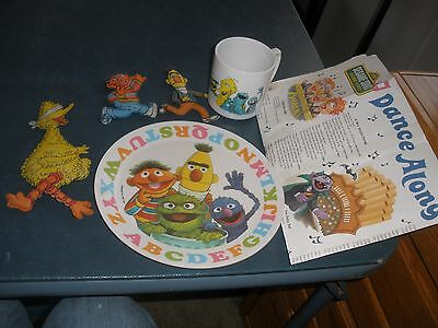 1971-1978 Vintage Sesame Street plate,cup figures and song sheet