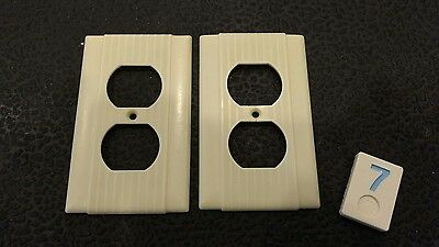 2 Ivory Vintage Bakelite Ribbed Deco Single Gang Hubbell Outlet Plate Covers BB7