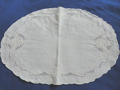 Beautiful White Linen Fancy Vintage Doily Pretty Cut Work  15 by 11 Inches