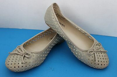 Size 1 or size 2 Free Shipping New Girls Leather Ballet Flats by Cherokee Tan