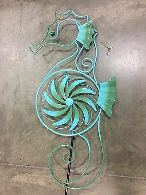 Metal Wind Spinner Outdoor Lawn Decor Garden Stake Sea Horse Spinning Wheel