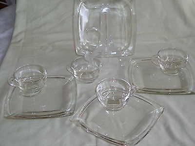 """Set of 4 Hazel Atlas VANITY PATTERN Clear 8"""" Snack Plates with Cups (8 pcs)"""