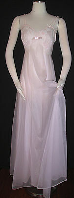 Vintage Vanity Fair Pink Pink Nightgown SZ 32 Full Sweep Nylon Floral Lace