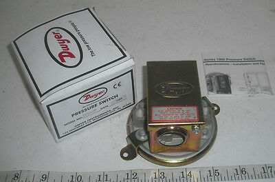New Dwyer 1910-00 191000 Series 1900 Pressure Switch 15 Amp 480V AC