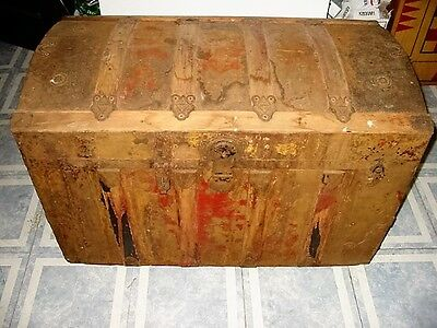 antique steamer travel trunk/chest/primitive?name on bottom letters?pick up only