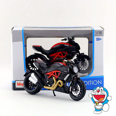 Maisto 1:18 Motorcycle Model/Ducati DIAVEL CARBON/Classical Collection/Gift/Toy