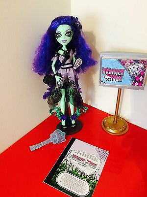 Monster High Amanita Nightshade Doll, Stand, Bag & Diary Vgc -T1