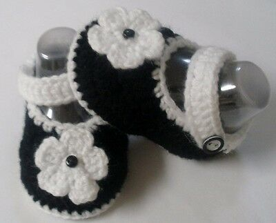 Black/white flower crochet Mary Jane strap baby bootie/shoe: sizes 000 & 0000