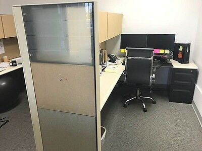 Cheap Office cubicle. Office cubicles. Desk and panel.