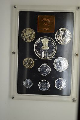 India: 1972 9 Piece Proof Coin Set- Cracked case- Beautiful coins.
