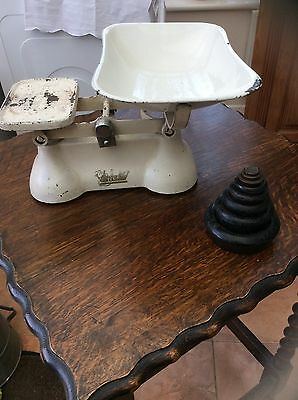 Vintage The queens Weylux Scales With Full Set Of Weights