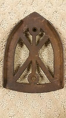 Antique SAD Cast Iron Trivet Iron Rest (C1/B17)
