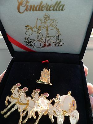 Disney RARE Limited edition CINDERELLA COACH & CASTLE Velvet box Pin set