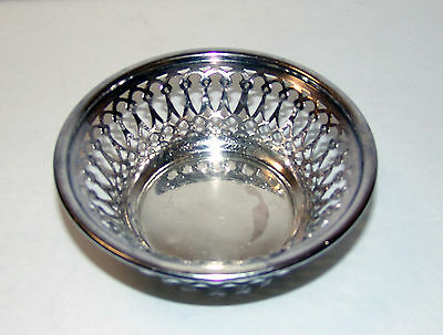 Antique Barker Brothers Chester England Sterling Silver Nut Dish 57.1 Grams
