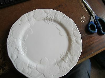 "Wedgwood Strawberry & Vine 11"" Dinner Plate Mint Condition First Quality Unused"