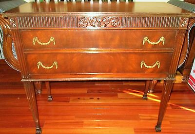 Antique Federal Carved Side board table Buffet Mahogany Wood Sheraton Dresser