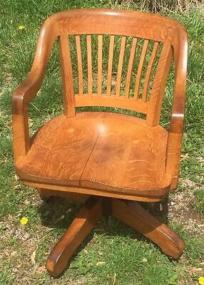 Oak 1914 Antique Swivel Adjustable Office Desk Chair, Signed Milwaukee Chair Co.