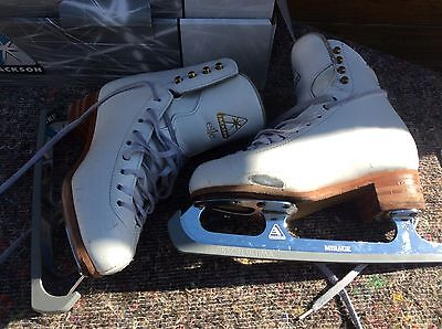 Jackson Elle ladies' high-quality ice skates size 5 mirage with blades (USED)
