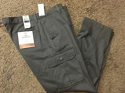 """NWT Men's Dockers """"The Broken In"""" Athletic Fit Stretch Cargo Pants 40X30 MSRP$58"""