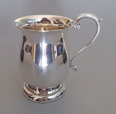 Vintage unengraved solid silver christening cup, J.B. Chatterley, 1964 (108g)