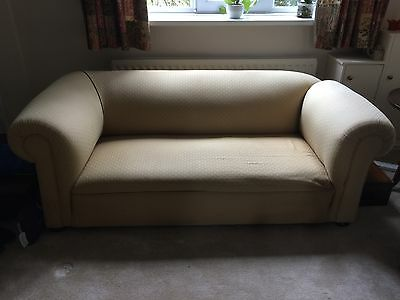 Victorian chesterfield sofa with drop end
