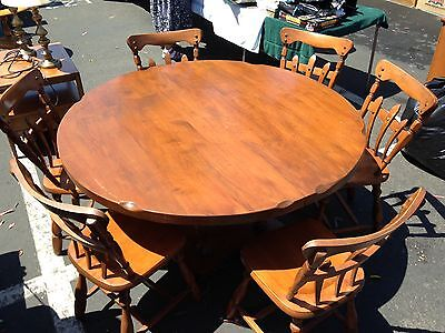 Vintage Solid Maple Wood Round Table and 6 Vintage Chair Set