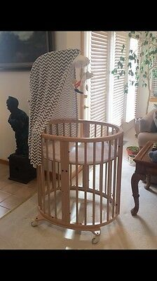 Stokke Sleepi Mini Crib with Mattress and Drape Rod - Beech Wood