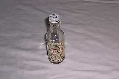 White Label Dewar's Blended Scotch Whiskey Scotland Glass Mini Bottle