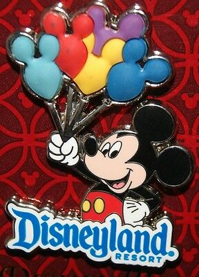 Disney Mickey Balloons Free D 3D Pin NEW ON ORIGINAL CARD